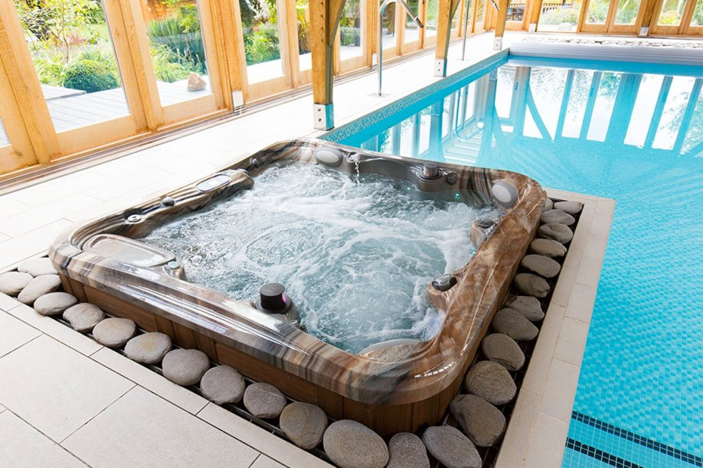 custom hot tubs ct